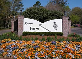 a photo of an entrance at Snee Farm in Mount Pleasant, SC